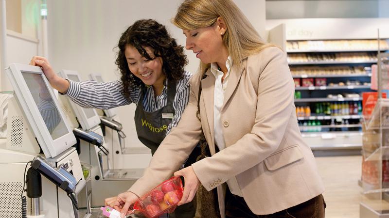 Beim Scannen im Supermarkt Waitrose - Diebold Nixdorf